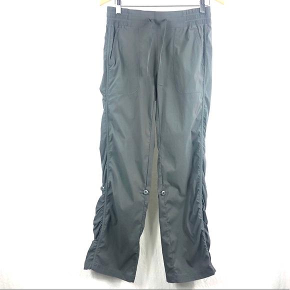 ❤️ 3/$30- Grey lightweight adjustable hiking pants